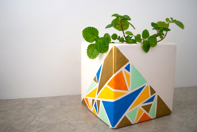 Diy geometric painted planter craftmonthlove 17